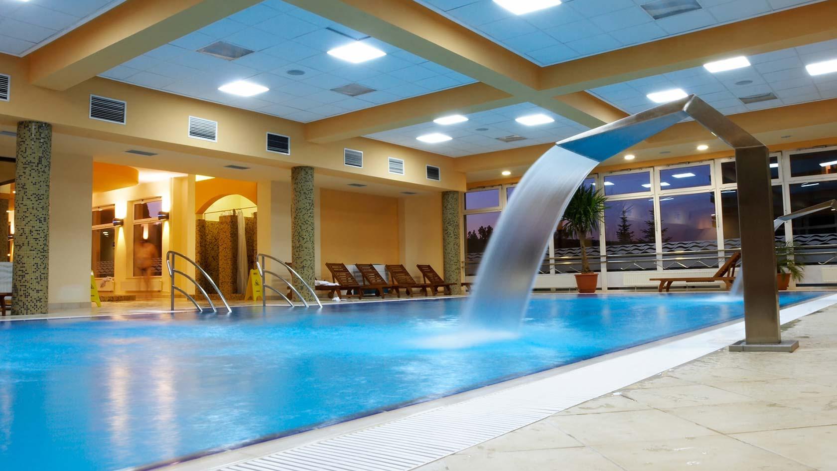 Climatización piscinas cubiertas y eficiencia energética para deshumidificación