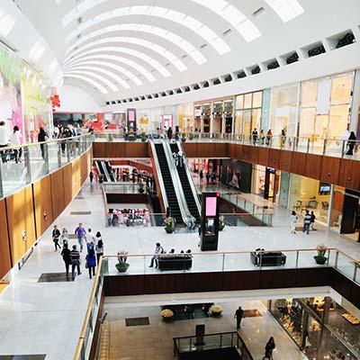 centros comerciales con lamparas ultravioleta coronavirus