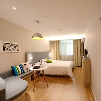 hoteles con lamparas ultravioletas contra el covid 19